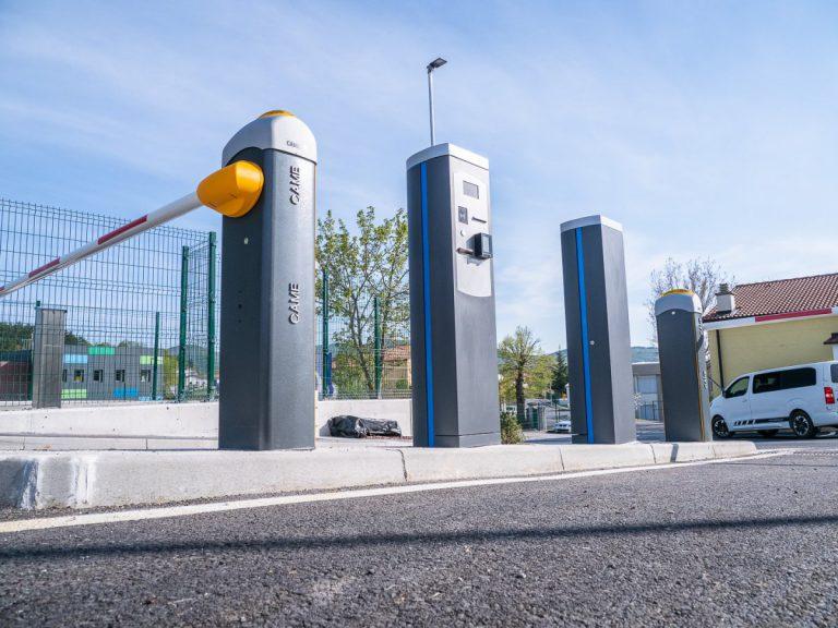 Parkirni sistem z zapornicami